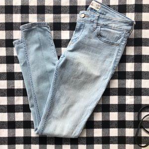 Hollister Skinny Jeans light wash denim size 3